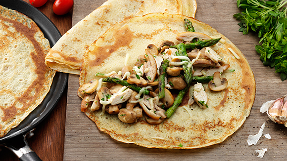 Savoury Pancake With Chicken and Asparagus