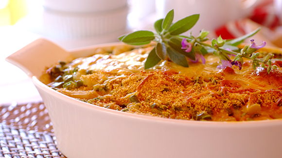 Creamy Cheese, Chicken and Asparagus Bake