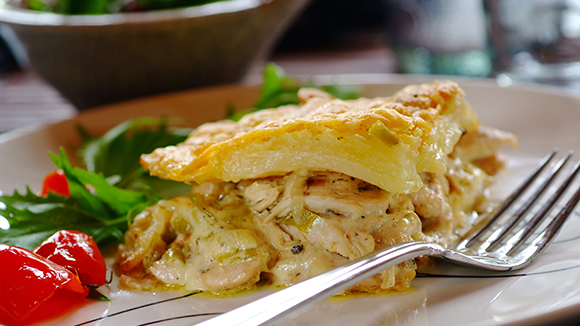 Creamy Potato Bake with Chicken, Leeks and Bacon