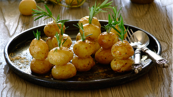 Crispy Christmas tree potatoes