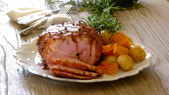 Glazed red wine and cinnamon gammon