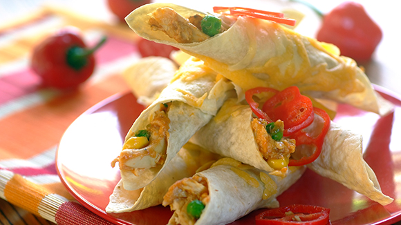 Mini Tortilla Wraps with Cheese and Chicken
