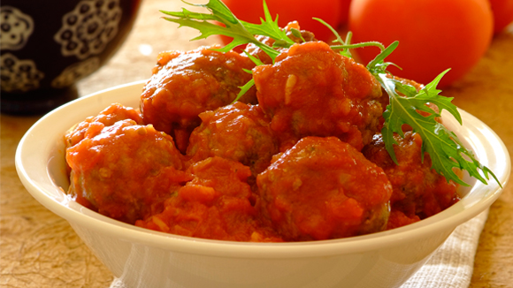 Mini spicy boerewors meatballs with tomato and onion sauce