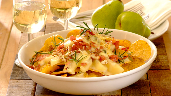 Pear and blue cheese nachos