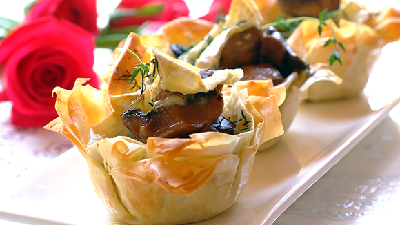 Phyllo Pastry Cups with a Brie and Mushroom Filling