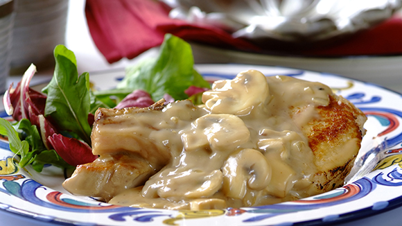 Pork Chops in Creamy Black Pepper and Mushroom Sauce