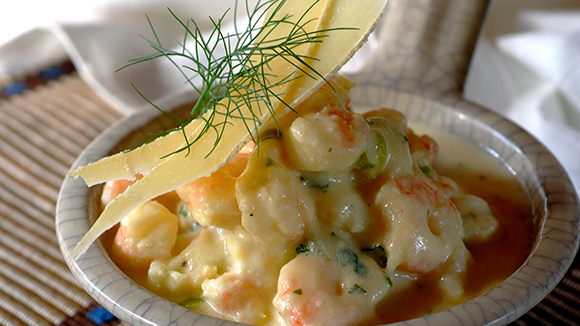 Prawns with Garlic, Wine and Cheese