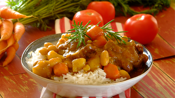 Rich oxtail and butter bean curry