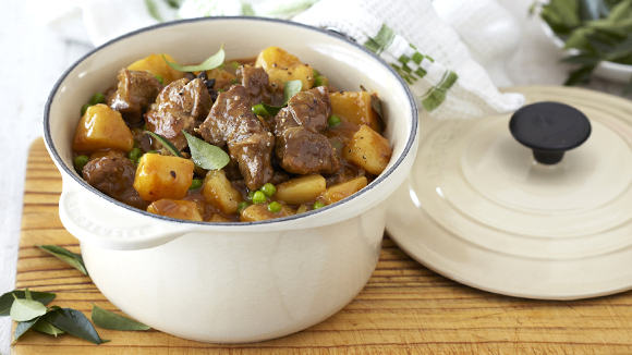 Tasty Mutton, Pea and Potato Curry