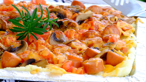 Tasty pap pizza with viennas and cheese