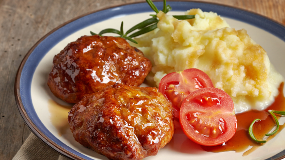 Tomato meatballs with pap