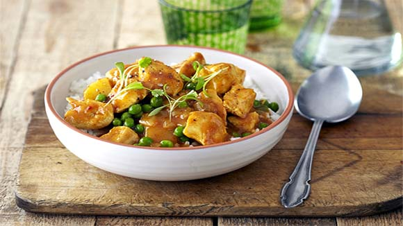 Durban Chicken Curry with Potatoes and Peas