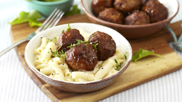Macaroni Cheese with Meatballs