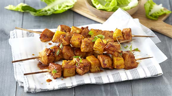 Sticky chicken and pineapple kebabs