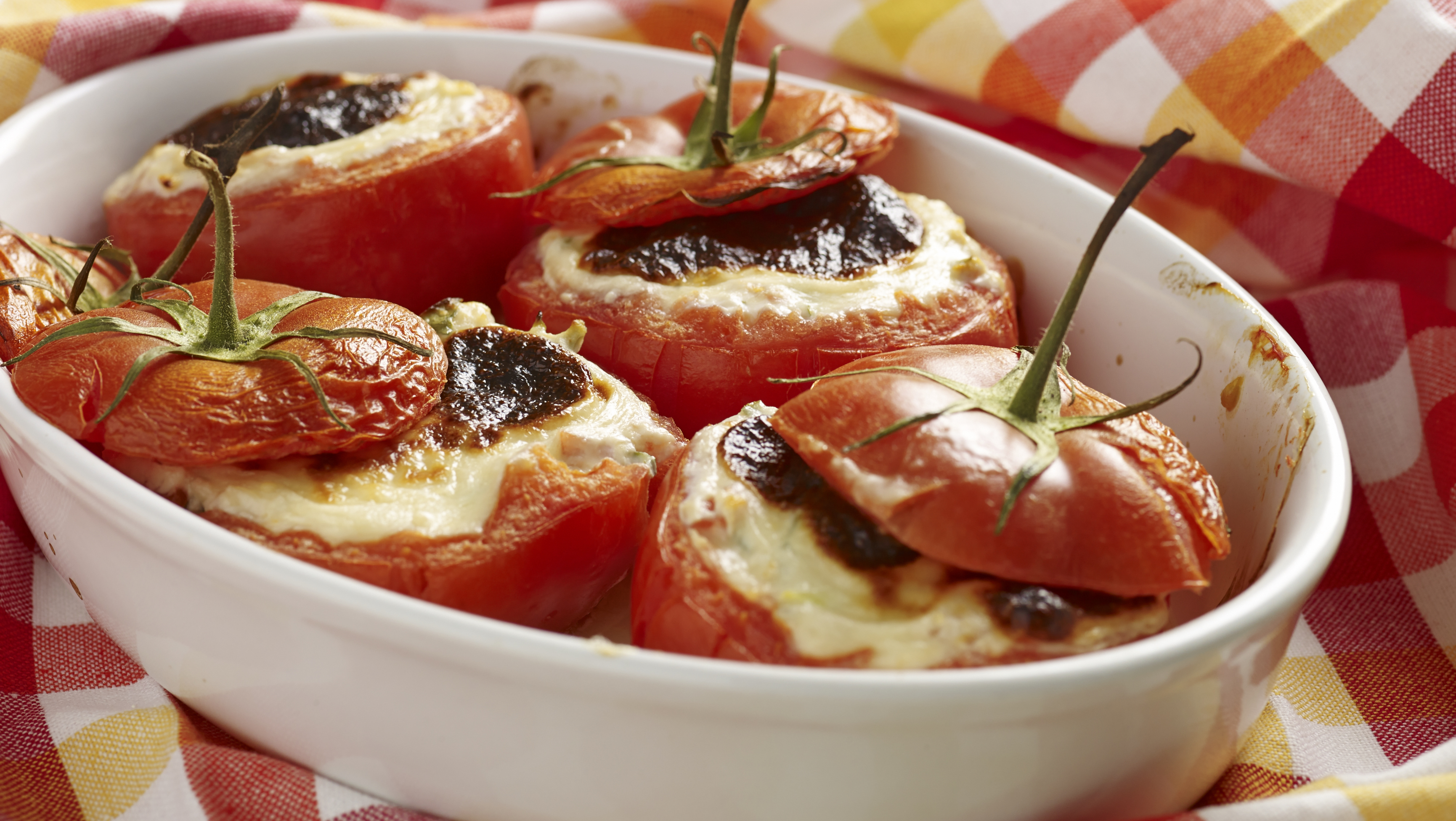 Tomates rellenos con Bechamel
