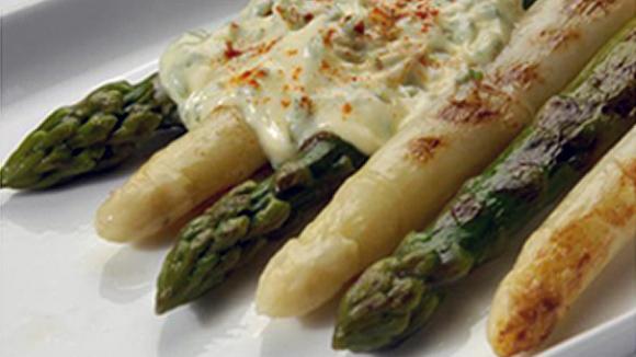 Receta de Espárragos gratinados con mayonesa