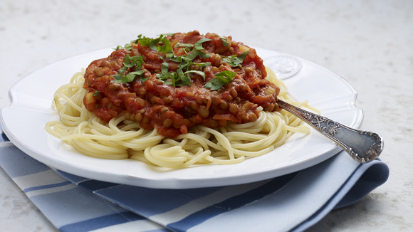Espaguetis a la boloñesa con lentejas