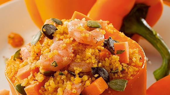 Poivron orange farci au couscous et crevettes grises