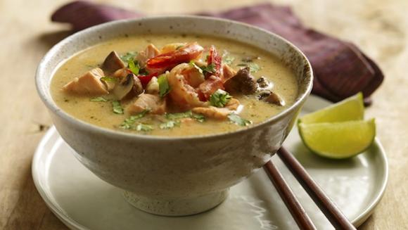 Soupe de fruits de mer thaïe