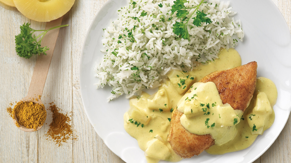 Poulet au riz, sauce curry et ananas