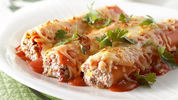 Cannellonis farcis à la viande hachée, aux poivrons et à la ricotta