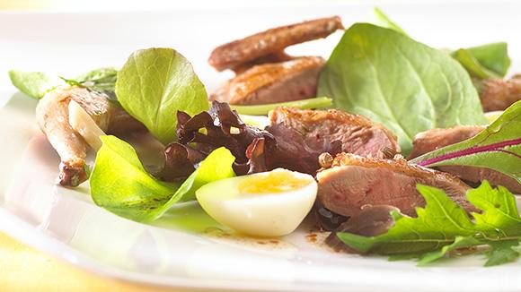 Lauwe salade met kwartels