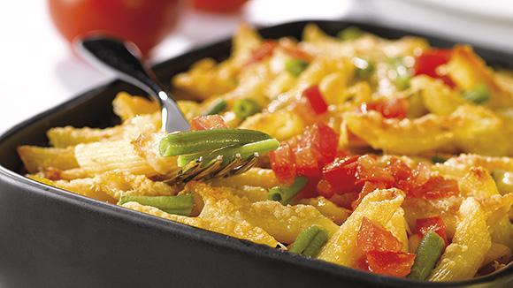Gegratineerde pasta met groenten en tonijn