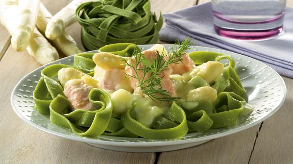 Tagliatelle met asperges en zalm
