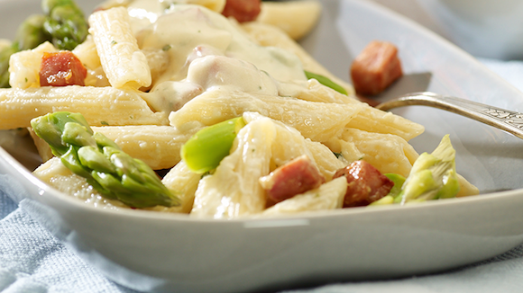 Romige pasta met ham en asperges