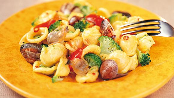 Orecchiette met broccoli en schelpjes