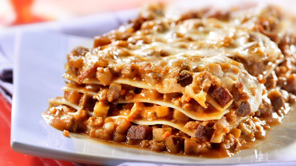 Lasagne met gehakt, aubergine en mozzarella