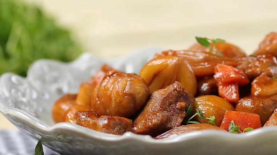 Receita Estufado de Carne com Castanhas e Cogumelos