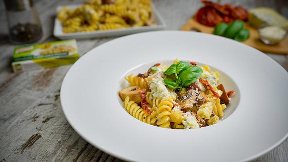 Receita Fusilli com cogumelos e queijo