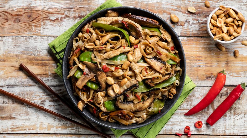 Massa de arroz com peru e legumes
