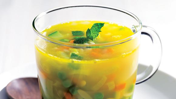 Caldo de Legumes com massinhas