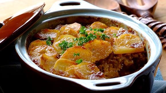 Empadão de carne com batatas douradas