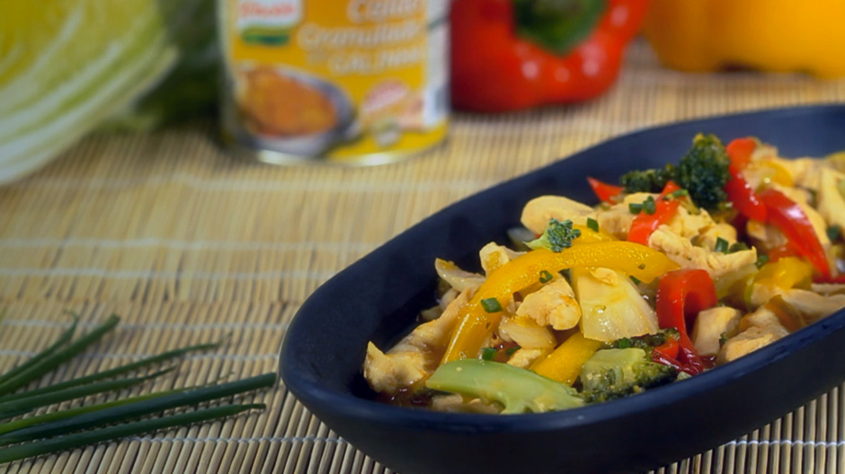 Tirinhas de frango no wok com molho agridoce