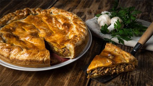 Мясной пирог по-деревенски