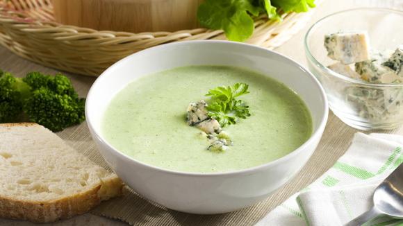 Крем-суп из брокколи с голубым сыром
