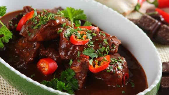 Курица вшоколадном соусе по-мексикански