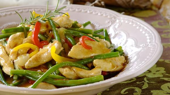Куриная грудка в карамельно-медовом соусе с овощами