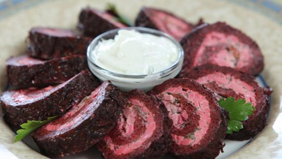 салат из свеклы рулетом рецепт