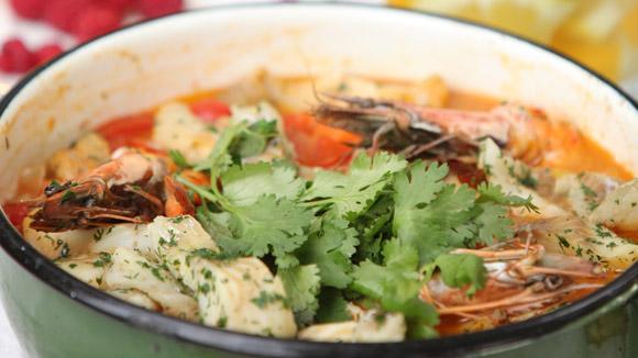 Рыбное рагу с овощами и креветками