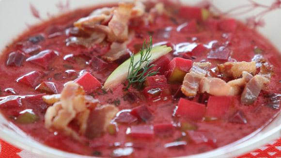 Суп из свеклы с беконом и яблоками
