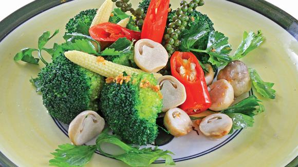 Bông cải xào tiêu xanh