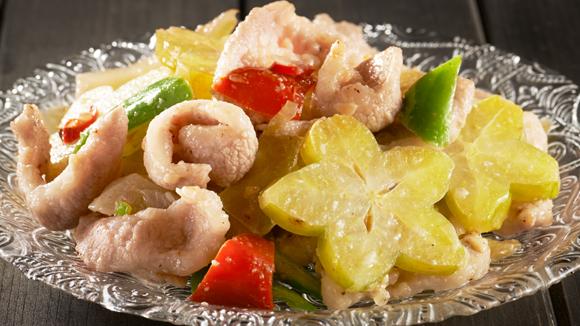 鹹酸菜楊桃炒豬頸肉