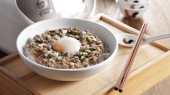 電飯煲窩蛋香菇牛肉飯