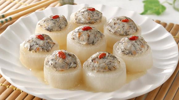 髮菜魚球蒸釀蘿蔔