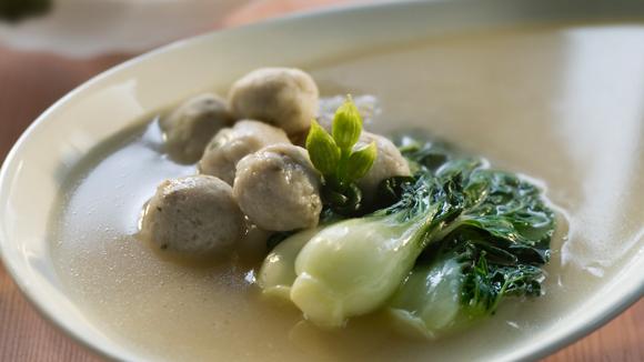 大白菜鯪魚球湯