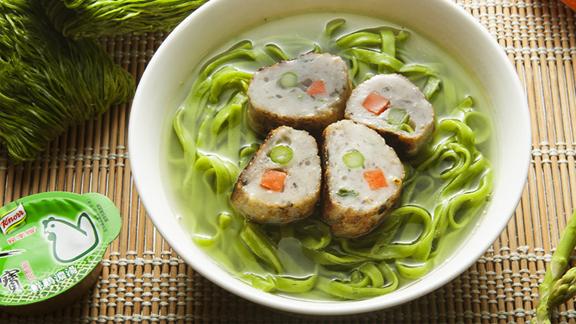 雙色魚卷菠菜麵